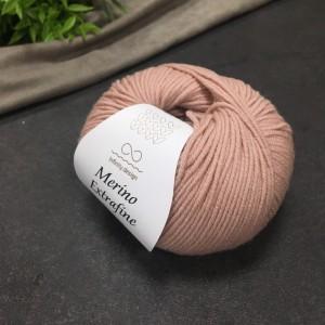 Пряжа Merino Extrafine Infininy design 4023 (пудровый розовый)